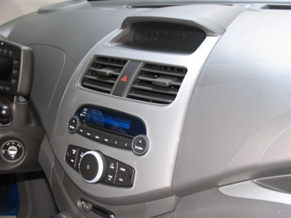 Chevrolet Spark dashboardset Alu look